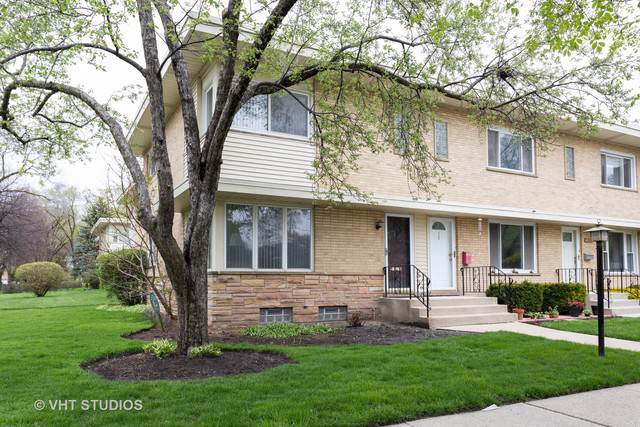 1927 Lee Street, Evanston, IL 60202 (MLS #10488890) :: Property Consultants Realty