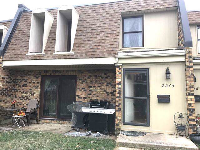 2244 Country Club Drive 36-2E, Woodridge, IL 60517 (MLS #10489205) :: The Wexler Group at Keller Williams Preferred Realty