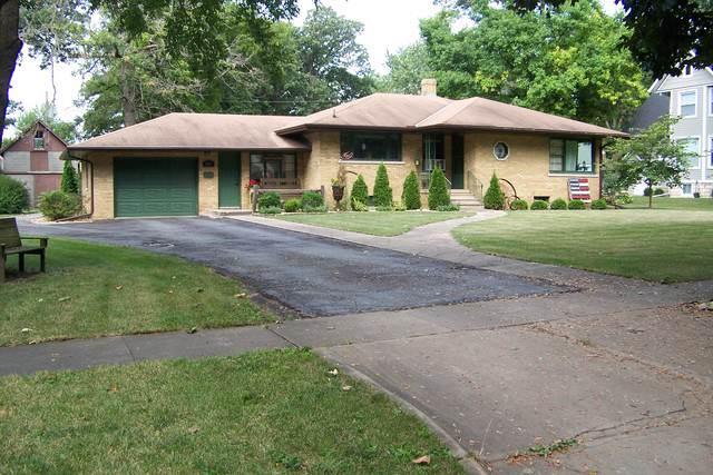 540 S 5th Street, Fairbury, IL 61739 (MLS #10489799) :: Baz Realty Network | Keller Williams Elite