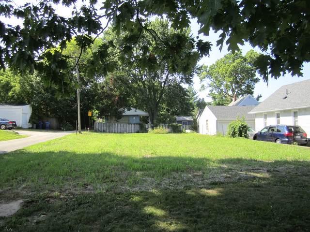 402 Gurler Street, Dekalb, IL 60115 (MLS #10490241) :: The Dena Furlow Team - Keller Williams Realty