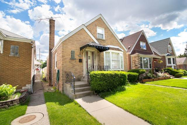 3451 W 73rd Place, Chicago, IL 60629 (MLS #10490540) :: Berkshire Hathaway HomeServices Snyder Real Estate