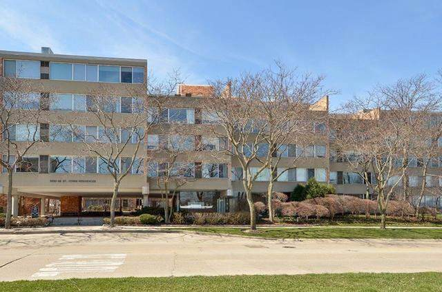 2026 Saint Johns Avenue #301, Highland Park, IL 60035 (MLS #10490733) :: The Dena Furlow Team - Keller Williams Realty