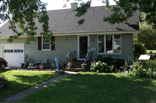 307 1st Street, Mendota, IL 61342 (MLS #10490776) :: Angela Walker Homes Real Estate Group