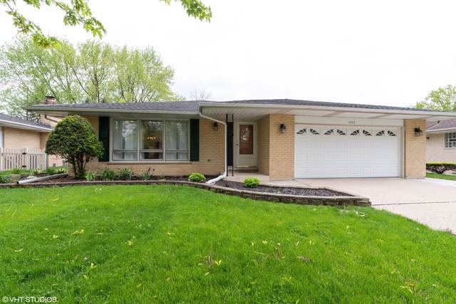 1717 N Aralia Drive, Mount Prospect, IL 60056 (MLS #10490946) :: The Wexler Group at Keller Williams Preferred Realty