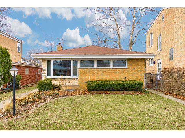 8330 Harding Avenue, Skokie, IL 60076 (MLS #10490987) :: Property Consultants Realty