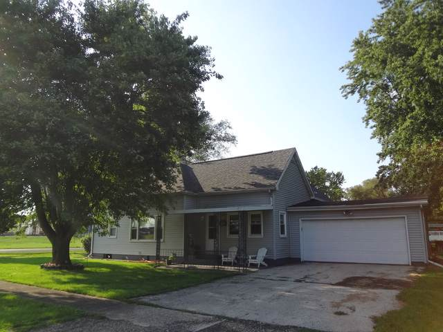 300 N Second Street, Wapella, IL 61777 (MLS #10491024) :: The Perotti Group | Compass Real Estate