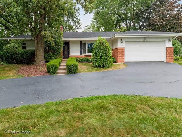 16W556 Hillside Lane, Willowbrook, IL 60527 (MLS #10491417) :: Ani Real Estate