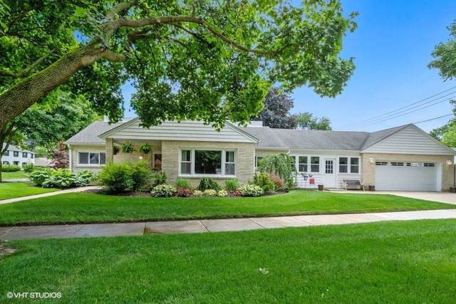 301 Carter Street, Libertyville, IL 60048 (MLS #10491637) :: Berkshire Hathaway HomeServices Snyder Real Estate