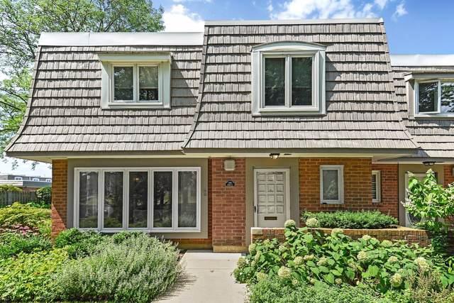 680 Lyons Circle, Highland Park, IL 60035 (MLS #10491698) :: Ani Real Estate
