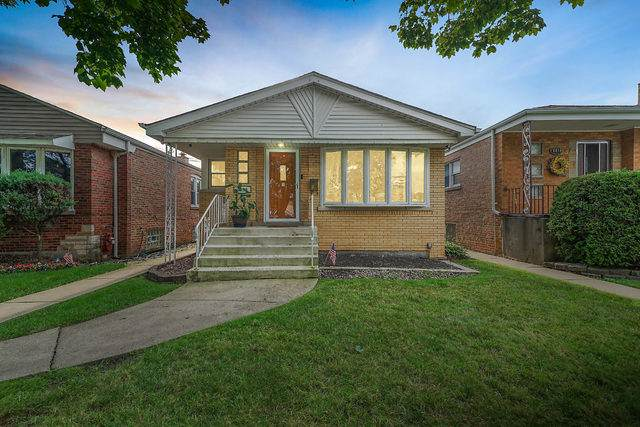 6020 S Meade Avenue, Chicago, IL 60638 (MLS #10491941) :: Angela Walker Homes Real Estate Group