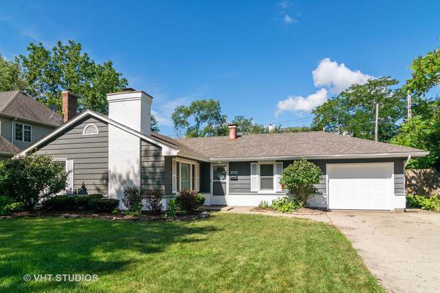 2010 Paddock Lane, Wheaton, IL 60187 (MLS #10492015) :: Berkshire Hathaway HomeServices Snyder Real Estate