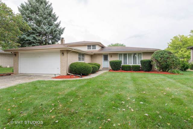 9S175 Kearney Road, Downers Grove, IL 60516 (MLS #10492161) :: Property Consultants Realty