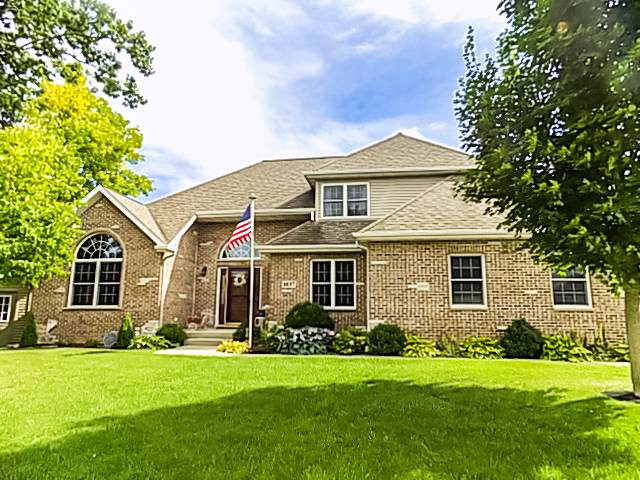 1037 Lakewood Drive, Ottawa, IL 61350 (MLS #10492876) :: Berkshire Hathaway HomeServices Snyder Real Estate