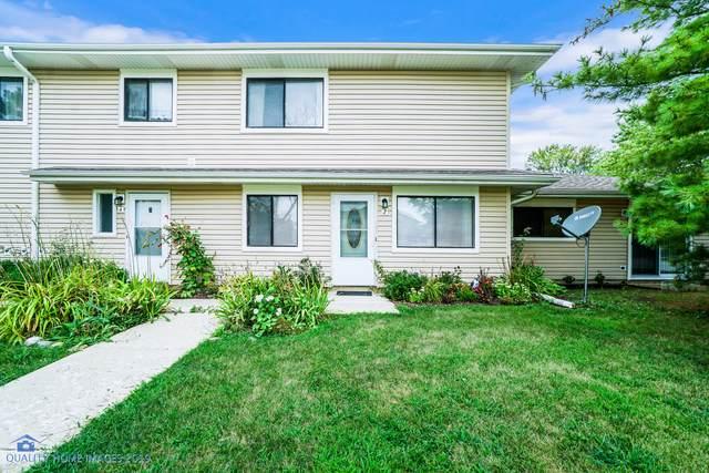 29W603 Winchester Circle #2, Warrenville, IL 60555 (MLS #10493015) :: John Lyons Real Estate