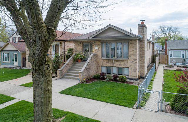 3332 N Opal Avenue, Chicago, IL 60634 (MLS #10493182) :: Angela Walker Homes Real Estate Group