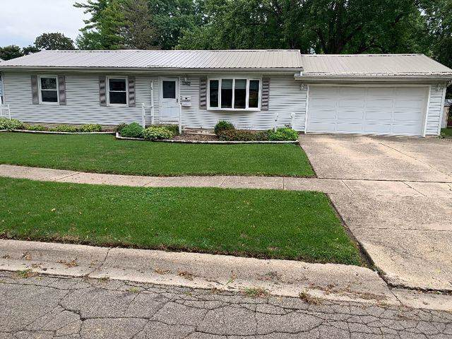 1747 N Ridge Drive N, Freeport, IL 61032 (MLS #10493209) :: Berkshire Hathaway HomeServices Snyder Real Estate