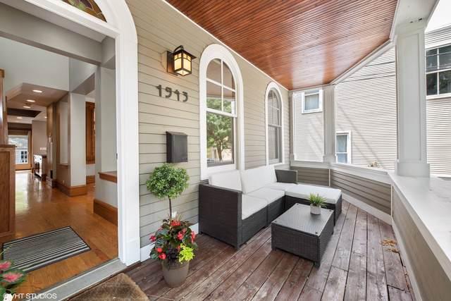 1943 W Wolfram Street, Chicago, IL 60657 (MLS #10493346) :: Berkshire Hathaway HomeServices Snyder Real Estate