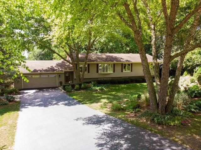 466 Pierce Street, Gilberts, IL 60136 (MLS #10493484) :: Suburban Life Realty