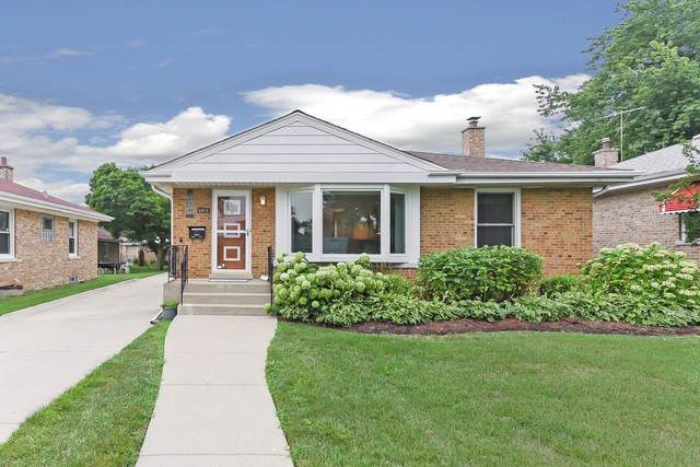 6971 W Cleveland Street, Niles, IL 60714 (MLS #10493563) :: Angela Walker Homes Real Estate Group