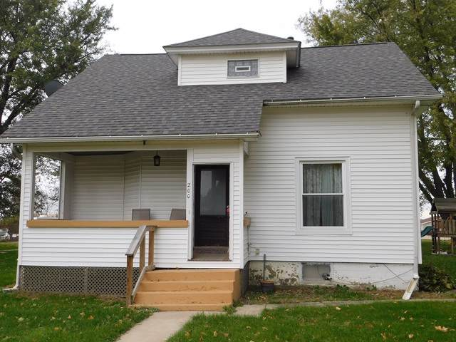 200 School Street, Chana, IL 61015 (MLS #10493682) :: Berkshire Hathaway HomeServices Snyder Real Estate