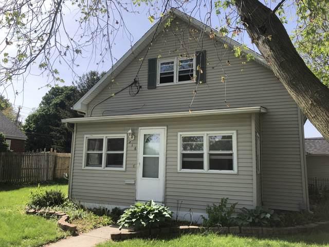 216 E Clinton Avenue, Farmer City, IL 61770 (MLS #10493893) :: Berkshire Hathaway HomeServices Snyder Real Estate
