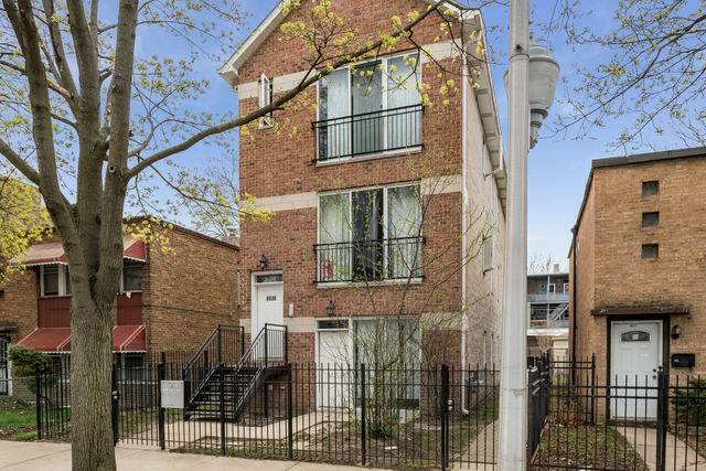 8036 S Kingston Avenue, Chicago, IL 60617 (MLS #10493989) :: Berkshire Hathaway HomeServices Snyder Real Estate