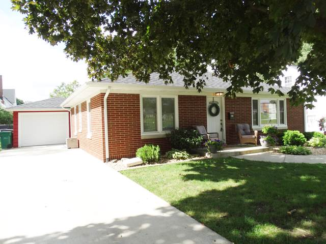 325 E 17TH Street, Lockport, IL 60441 (MLS #10494043) :: The Wexler Group at Keller Williams Preferred Realty
