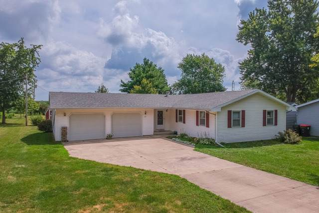 301 N East Street, Hudson, IL 61748 (MLS #10494282) :: Berkshire Hathaway HomeServices Snyder Real Estate