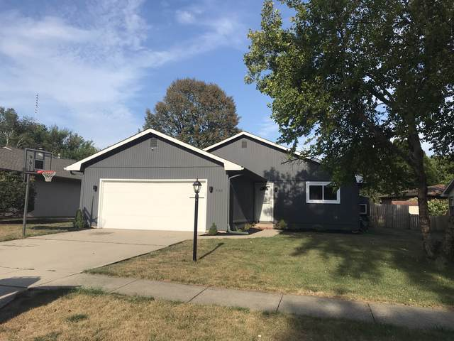 608 Irvine Road, Champaign, IL 61822 (MLS #10494305) :: Berkshire Hathaway HomeServices Snyder Real Estate