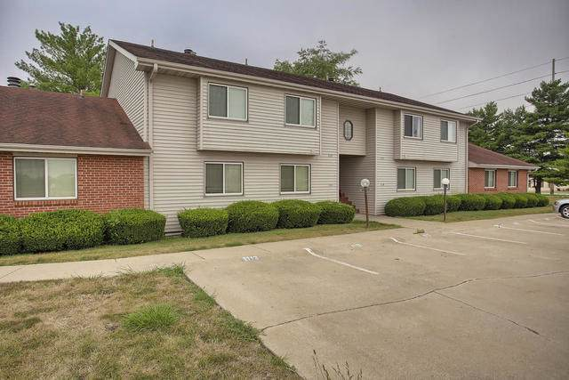 1121 Laura Drive #1121, Champaign, IL 61822 (MLS #10494595) :: Berkshire Hathaway HomeServices Snyder Real Estate