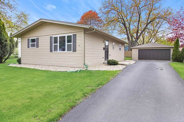 17 Austin Avenue, Carpentersville, IL 60110 (MLS #10494656) :: The Wexler Group at Keller Williams Preferred Realty