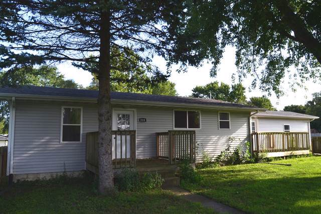310 S 4th Street, Wapella, IL 61777 (MLS #10494760) :: Angela Walker Homes Real Estate Group