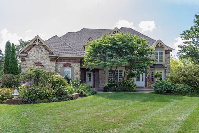 7N855 Columbine W, St. Charles, IL 60175 (MLS #10494922) :: Berkshire Hathaway HomeServices Snyder Real Estate