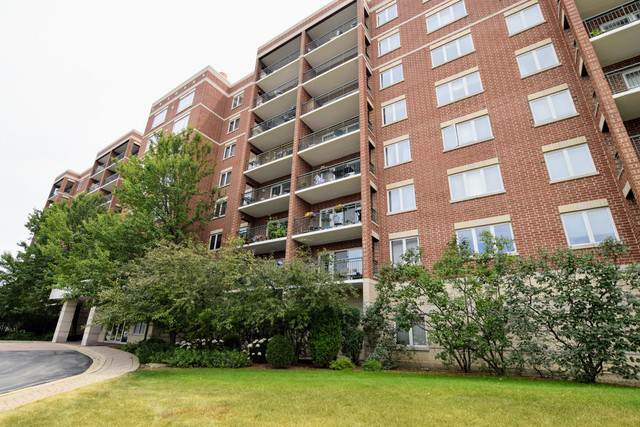 5555 N Cumberland Avenue #905, Chicago, IL 60656 (MLS #10495050) :: Angela Walker Homes Real Estate Group