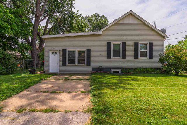 103 E Pease Street, HEYWORTH, IL 61745 (MLS #10495062) :: Berkshire Hathaway HomeServices Snyder Real Estate