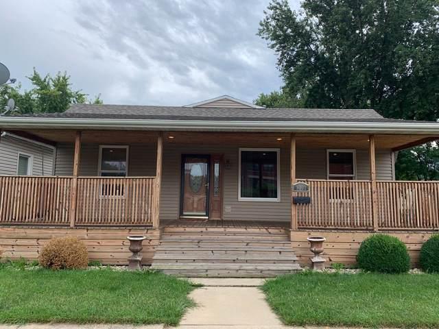 1107 W Main Street, Ottawa, IL 61350 (MLS #10495103) :: Berkshire Hathaway HomeServices Snyder Real Estate