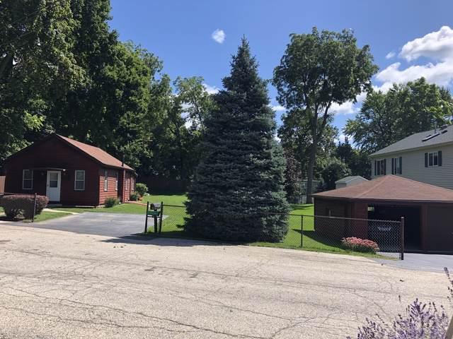 67 N Lake Avenue, Fox Lake, IL 60020 (MLS #10495125) :: John Lyons Real Estate
