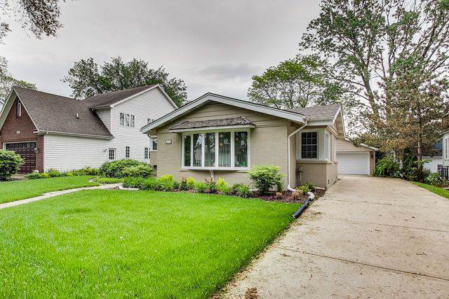 837 S Stough Street, Hinsdale, IL 60521 (MLS #10495159) :: Berkshire Hathaway HomeServices Snyder Real Estate