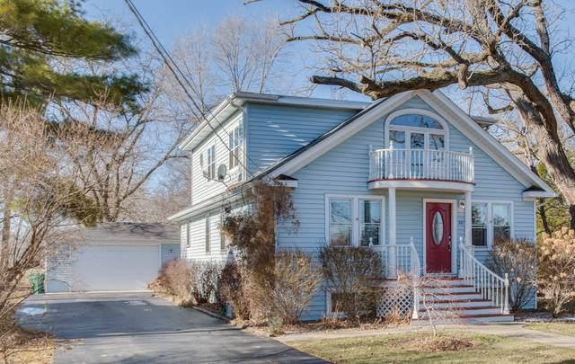 20 Oak Lane Drive, Lake Villa, IL 60046 (MLS #10495243) :: Berkshire Hathaway HomeServices Snyder Real Estate