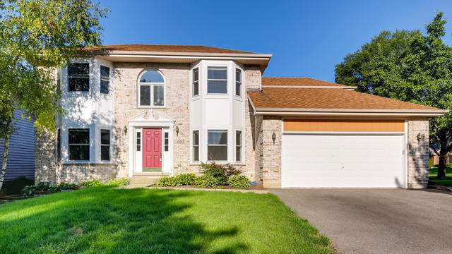 660 Crest Drive, Cary, IL 60013 (MLS #10495727) :: Berkshire Hathaway HomeServices Snyder Real Estate