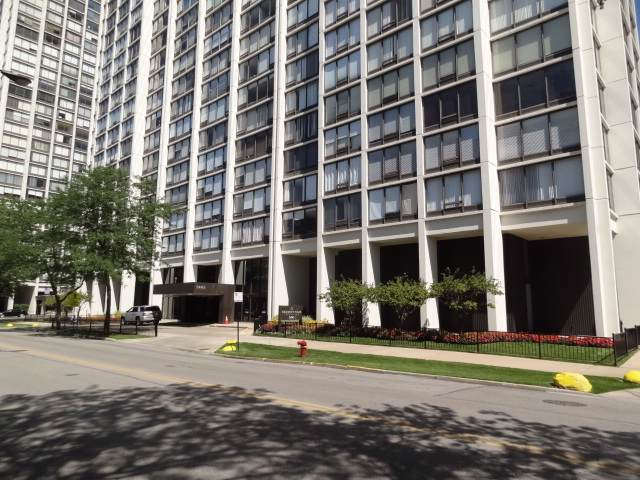 5445 N Sheridan Road #1010, Chicago, IL 60640 (MLS #10495748) :: Berkshire Hathaway HomeServices Snyder Real Estate