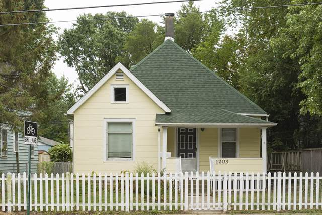 1203 E Main Street, Urbana, IL 61802 (MLS #10495992) :: Baz Realty Network   Keller Williams Elite