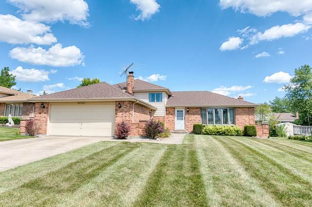 10S231 Suffield Drive, Downers Grove, IL 60516 (MLS #10496310) :: Berkshire Hathaway HomeServices Snyder Real Estate