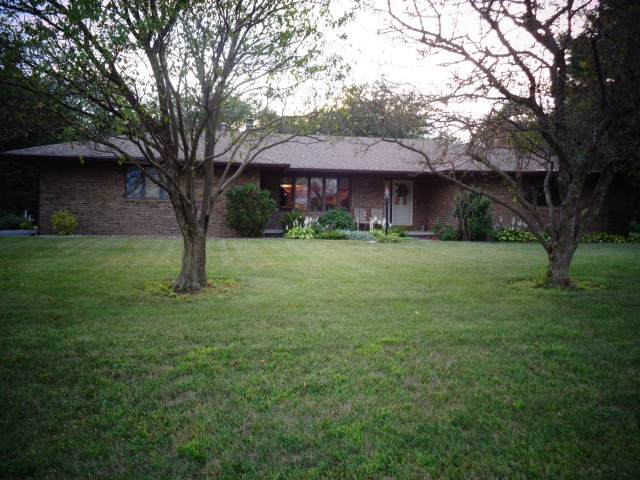 100 Cardinal Drive, LEROY, IL 61752 (MLS #10496430) :: The Perotti Group | Compass Real Estate