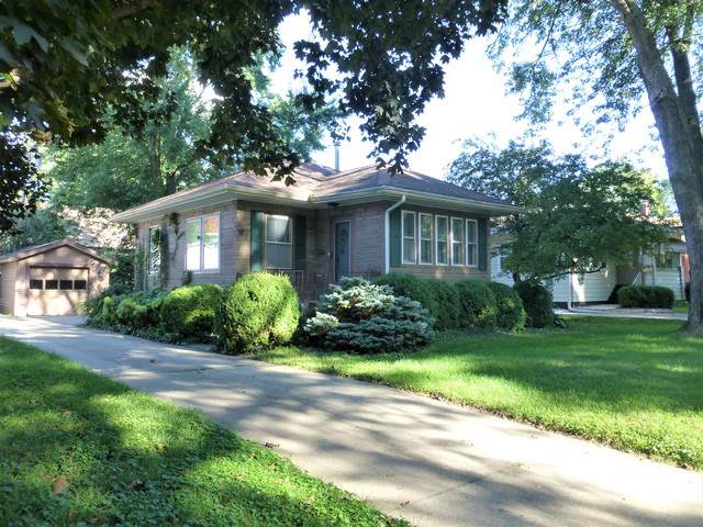 10 Harwood Place, Bloomington, IL 61701 (MLS #10499851) :: Berkshire Hathaway HomeServices Snyder Real Estate