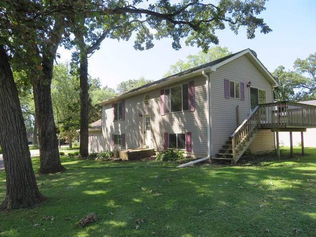 6618 244th Avenue, Paddock Lake, WI 53168 (MLS #10500490) :: Helen Oliveri Real Estate