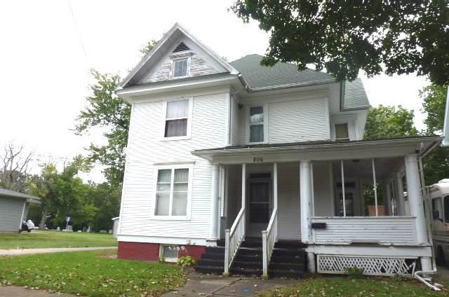 806 N Jackson Street, CLINTON, IL 61727 (MLS #10505145) :: Lewke Partners