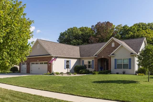 2017 E Slade Lane, Mahomet, IL 61853 (MLS #10507082) :: Ryan Dallas Real Estate