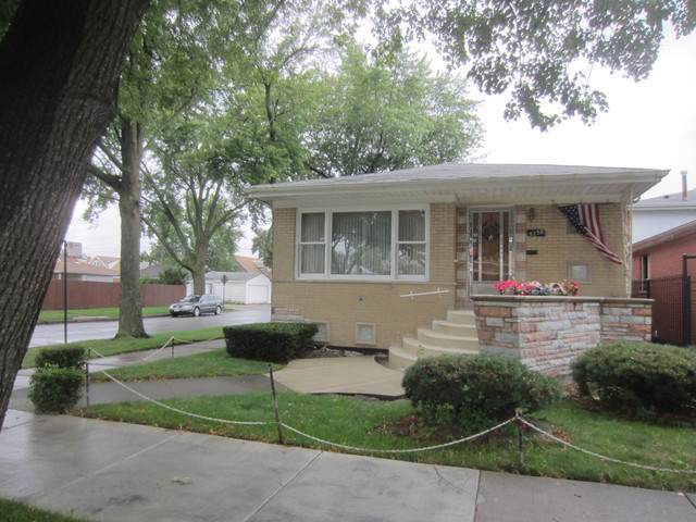 5258 S Hamlin Avenue, Chicago, IL 60632 (MLS #10507774) :: Angela Walker Homes Real Estate Group