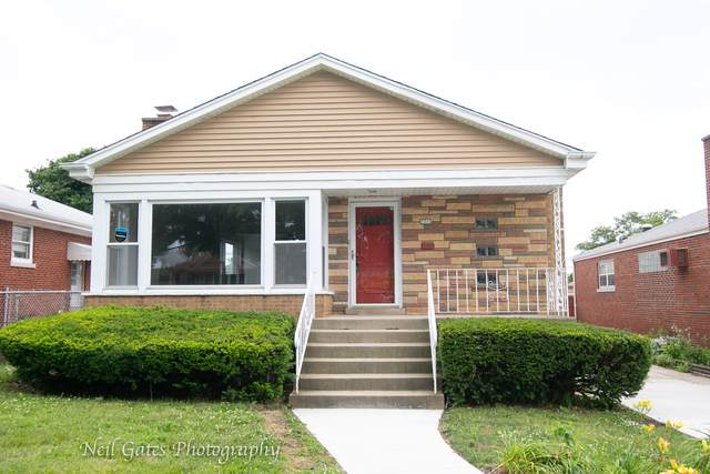 2713 W 94th Street, Evergreen Park, IL 60805 (MLS #10508290) :: The Perotti Group | Compass Real Estate